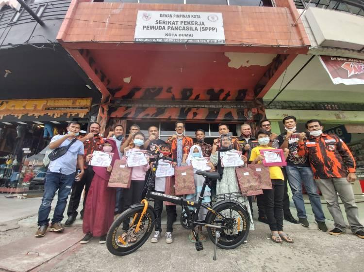 MPC PP Gandeng Disdikbud Bagikan Hadiah Pemenang Video Kreatif SD se Kota Dumai
