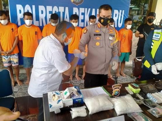 Polisi Amankan 4 Kilogram Sabu di Bandara SSK Pekanbaru