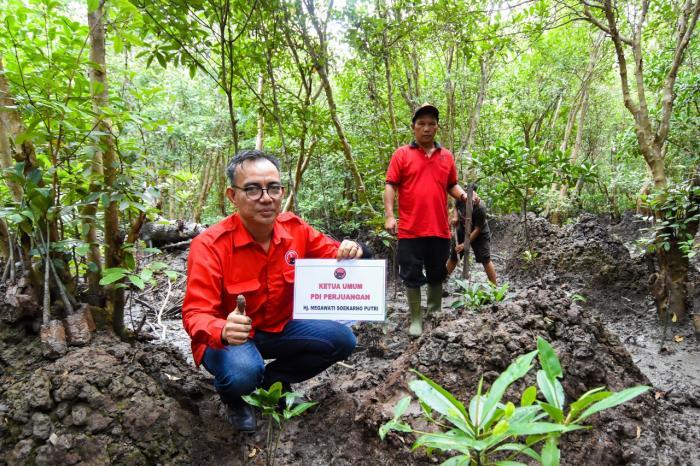 Penanaman Pohon PDI Perjuangan Kota Dumai, Uber Firdaus: Sungai dan Bakau Simbol Peradaban