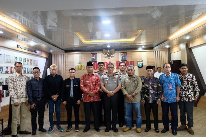 Kapolda Riau Diskusi Prediksi Karhutla 2020