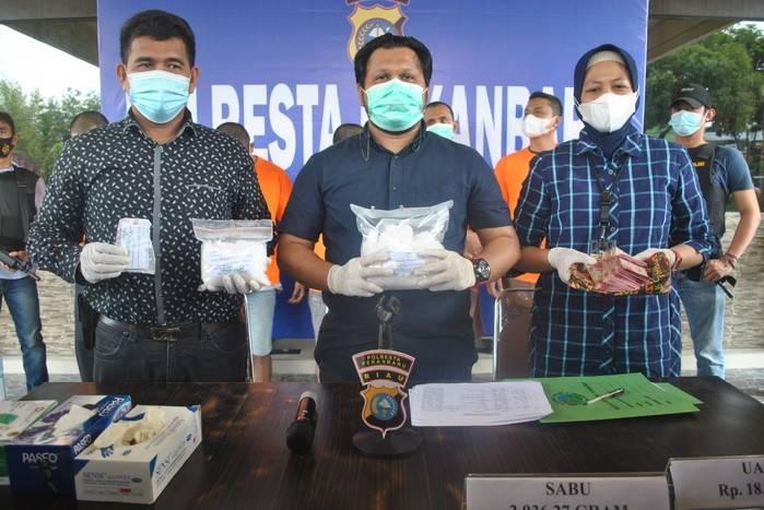 Polresta Pekanbaru Amankan 2 Kg Sabu dan Lima Tersangka