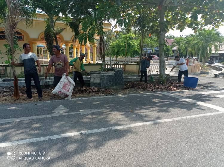 HPSN 2021, UPT Pengelolaan Sampah Kecamatan Bantan Gelar Gotong Royong