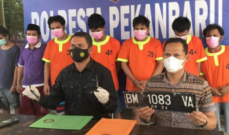 Komplotan Pencuri Mobil dan Motor Diringkus Polisi Pekanbaru