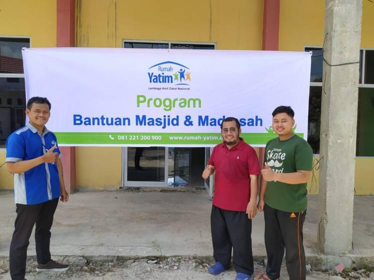 Rumah Yatim Berikan Bantuan Pembangunan Masjid Raudhatul Jannah Pekanbaru