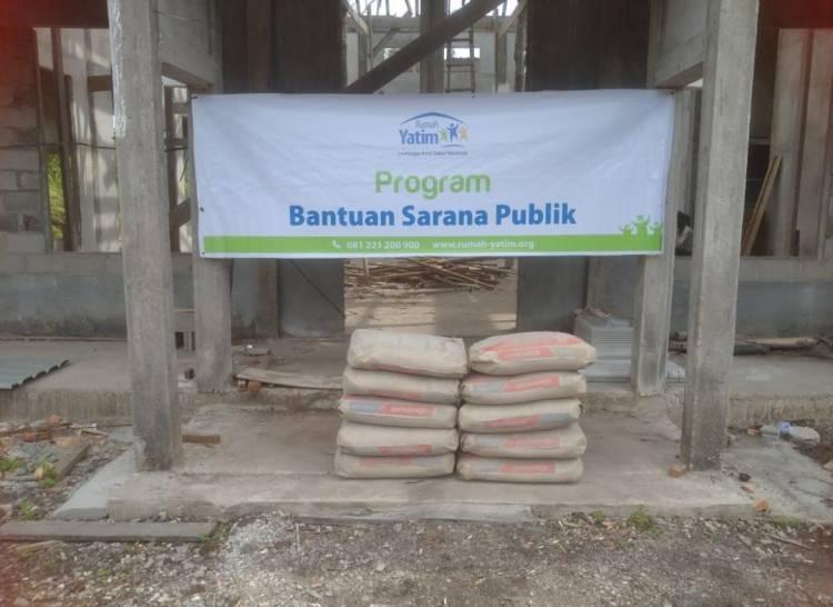 Rumah Yatim Riau Bantu Sarana Musholla dan Santunan Da'i Desa Pambang Pesisir