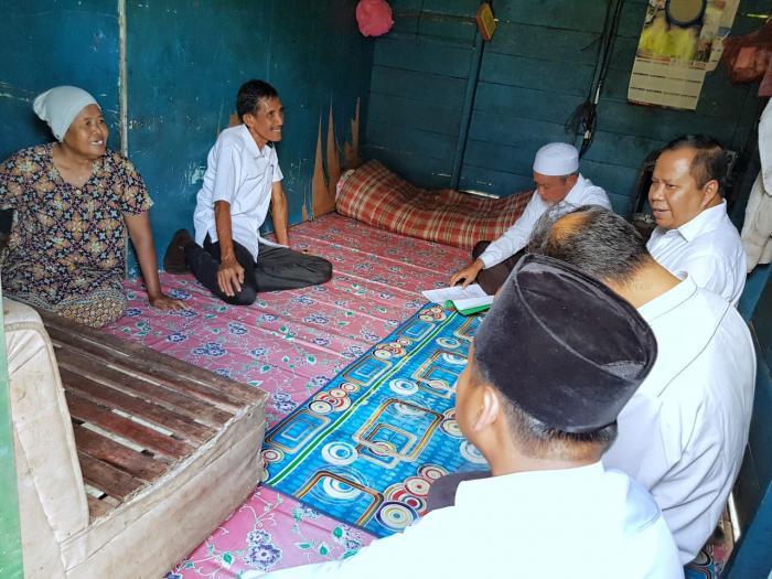 Bupati dan Wabup Meranti Tinjau Rumah Warga Sasaran Bantuan RLH