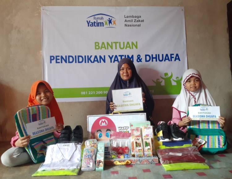 Bantuan Pendidikan untuk Aisyah dan Azizah, Yatim Piatu Asal Pekanbaru
