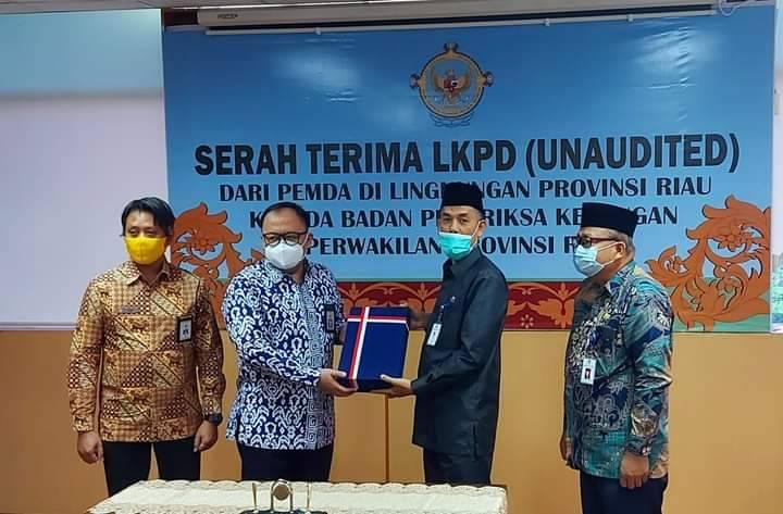 Walikota Paisal Serahkan LKPD Dumai Tahun 2020 ke BPK Perwakilan Riau