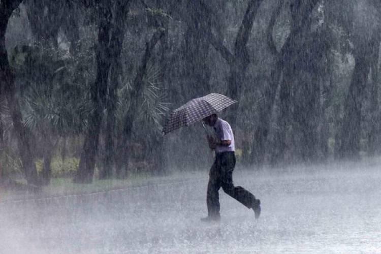 Hujan Ringan Disertai Angin Kencang Berpotensi Mengguyur Wilayah Riau