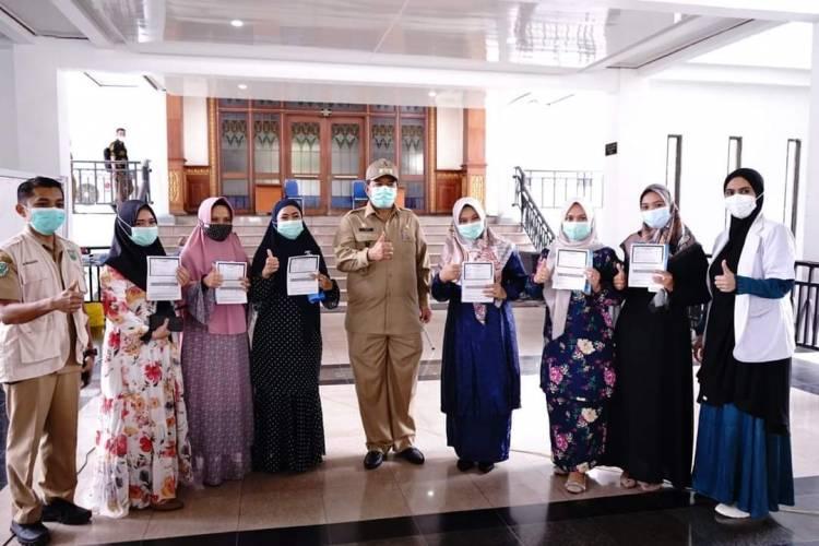 Bupati Alfedri Pantau Penyuntikan Vaksin Covid-19 Secara Massal di Siak