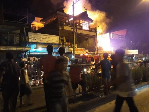 Kebakaran Hebat di Duri, Hanguskan 8 Rumah dan 5 Ruko