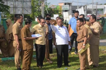 Sekda Kampar Tinjau Lokasi MTQ Riau di Lapangan Merdeka dan BRS