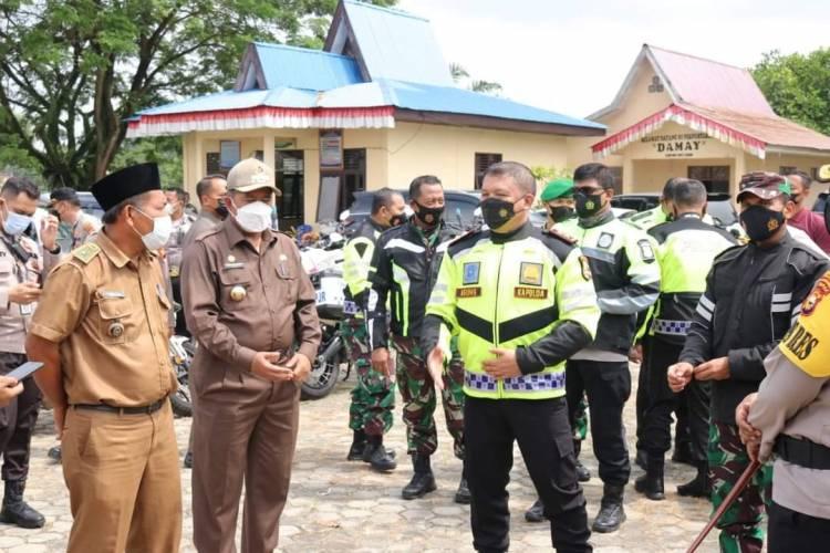Bupati Siak-Kapolda Riau Tinjau Vaksinasi Warga Jati Mulya