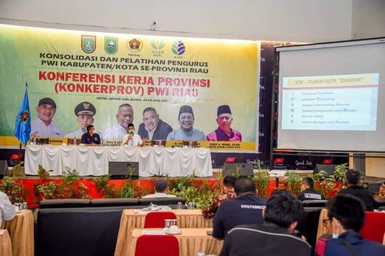 Walikota Dumai Paparkan Pembangunan Daerah di Hadapan Wartawan PWI Riau
