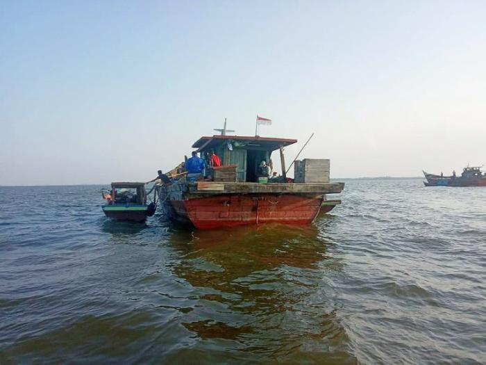 Polisi Tangkap Kapal Pengangkut Pasir Ilegal di Pulau Rupat