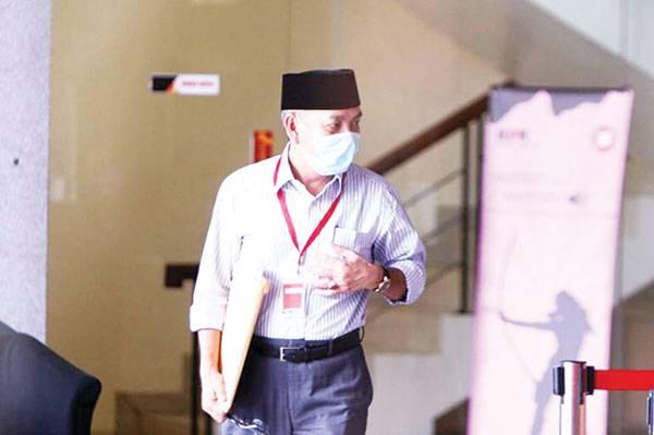 KPK Periksa Kadisbun Riau 5 Jam