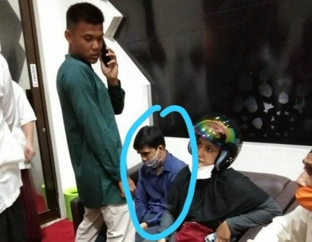 Detik-detik Penikaman Imam Masjid di Pekanbaru