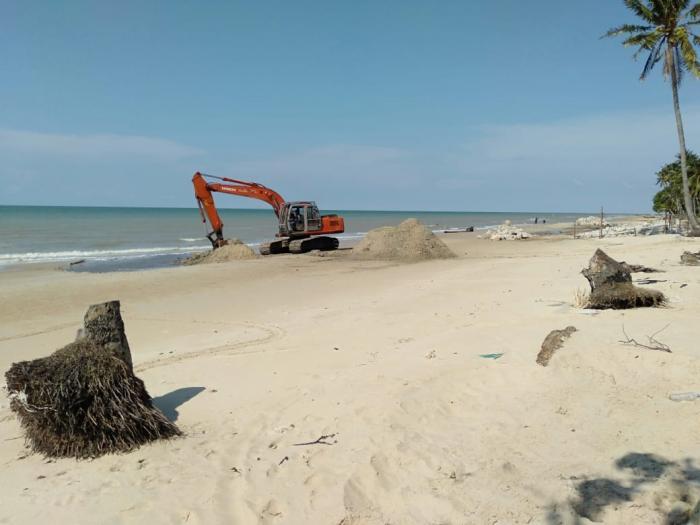 'Pasir Berbisik', Jerujikan Pemburu Dollar di Selat Malaka