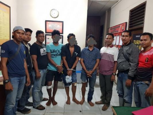 Polisi Lumpuhkan 3 Perampok Bersenpi di Inhil