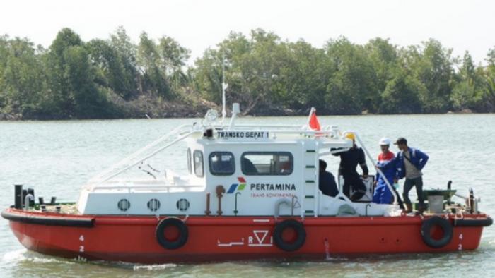 Kapal Pertamina Tenggelam di Belawan