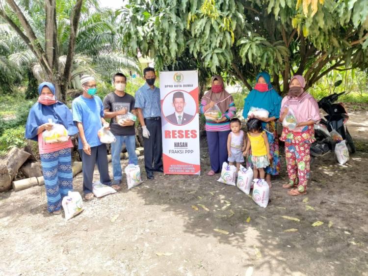 Reses Pendemi Covid 19 Bagi Sembako, Hasan DPRD Dumai Fraksi PPP Turun ke Masyarakat