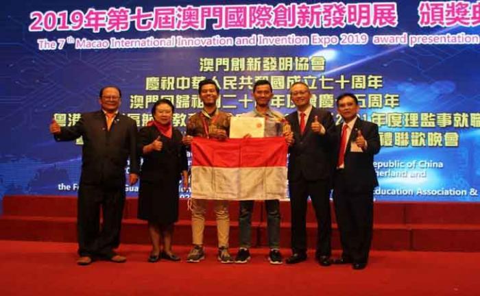 Dua Mahasiswa Riau Raih Medali Emas Lomba Sains Internasional di Macau