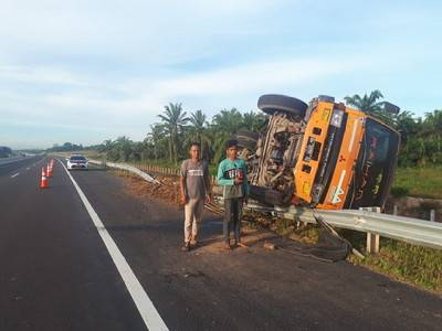 Diduga Faktor Kelelahan, Kecelakaan Tunggal Terjadi di Tol Permai