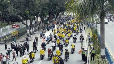 Tolak Omnibuslaw, Ratusan Mahasiswa Mulai Berdatangan ke DPRD Riau