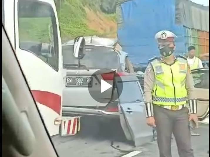 Kecelakaan Maut, Dua Korban Meninggal di Tol Permai