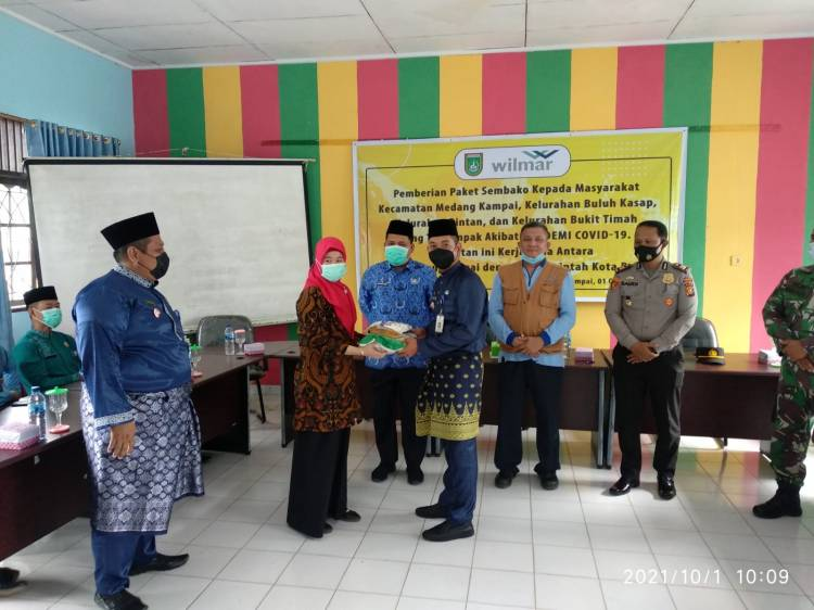 Wilmar Group Dumai Salurkan 1200 Paket Sembako Bagi Warga Terdampak Covid 19