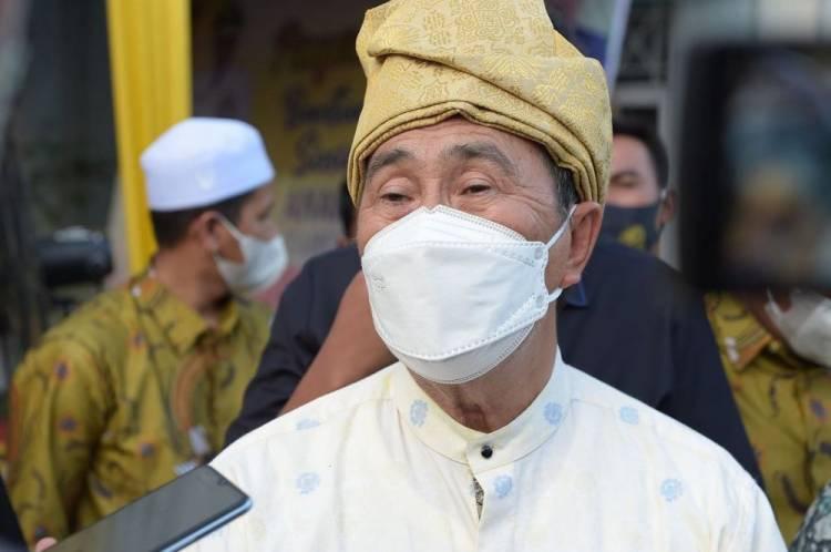 Gubernur Riau Serahkan Bansos Rp23 Miliar untuk 77 LKSA