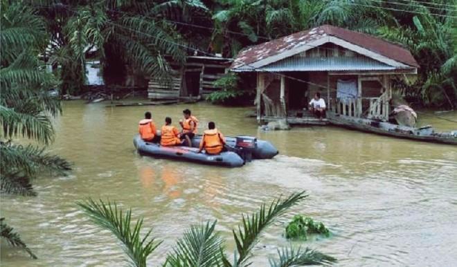Curah Hujan Tinggi di Riau, Warga 7 Daerah Rawan Banjir Diminta Waspada