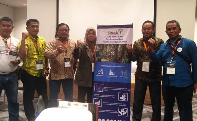 Bertambah 7000 Petani Sawit Swadaya Indonesia Terima Sertifikat RSPO