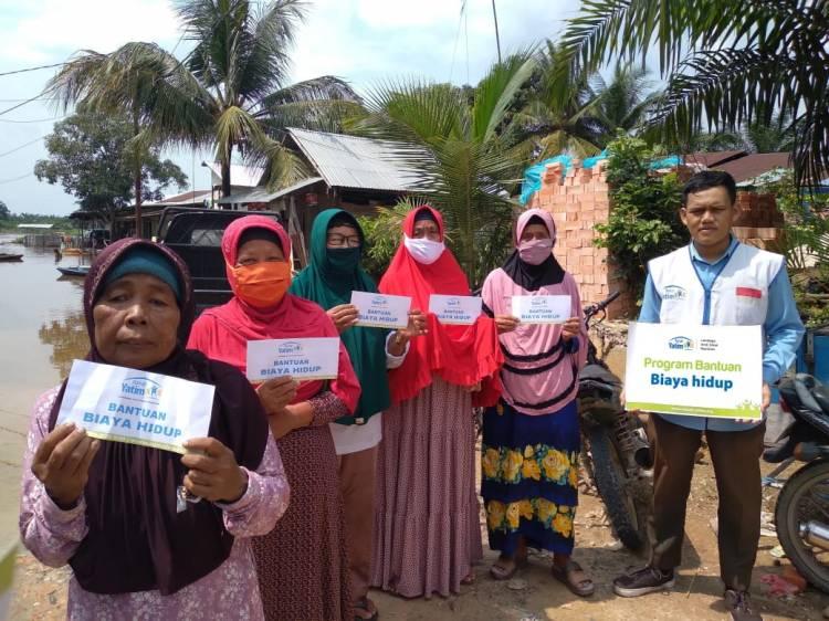 11 Orang Lansia Dhuafa Riau Terima Bantuan Biaya Hidup