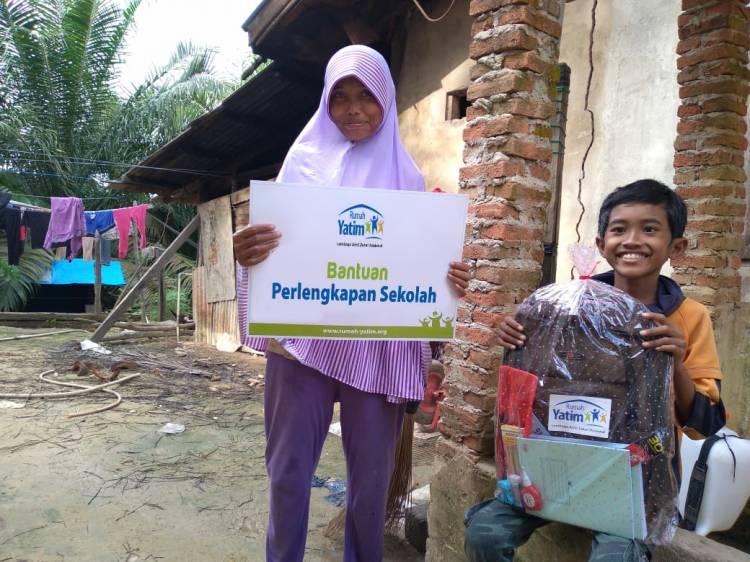 Syaiful Amri Kembali Terima Bantuan Rumah Yatim Riau