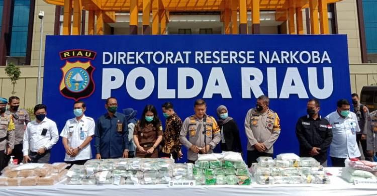Polda Riau Musnahkan 1.111,2 Kg Sabu dan 34.182 Butir Pil Ekstasi